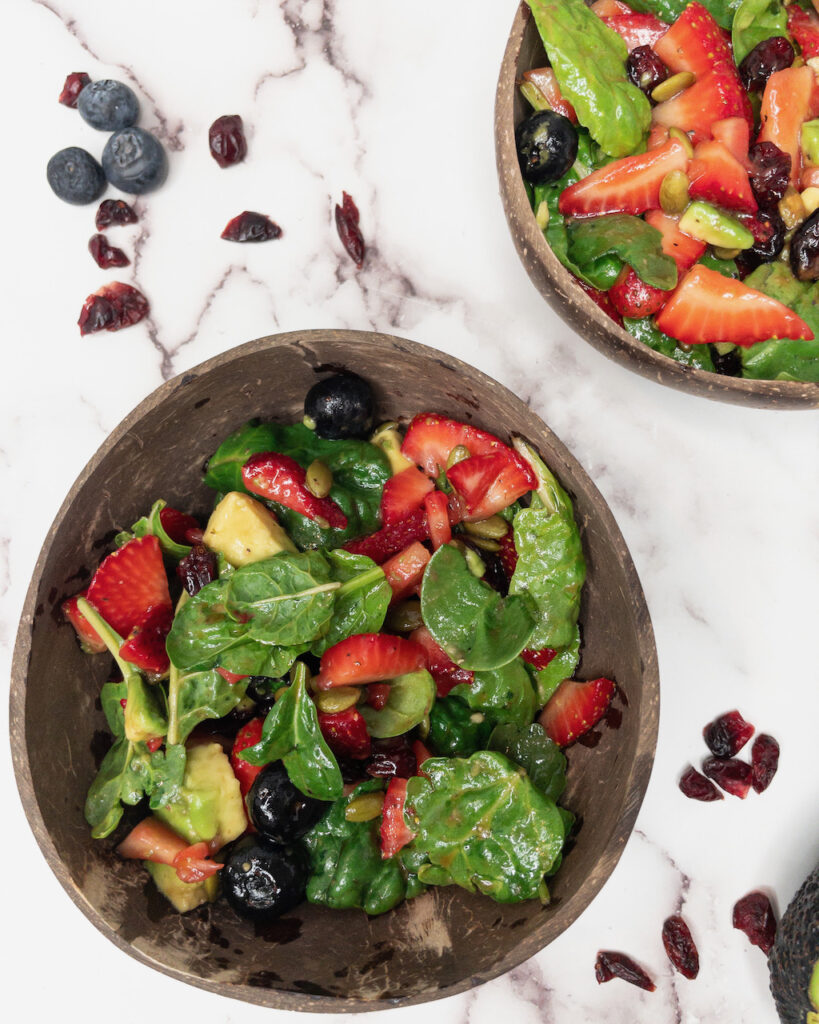 strawberry and spinach salad mixed with the balsamic dressing